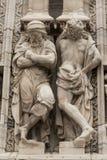 Scultpture kupol Milan Arkivfoto