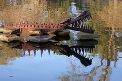Scultura acquatica del giardino del metallo Fotografie Stock Libere da Diritti