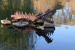 Scultura acquatica del giardino del metallo Immagini Stock