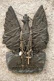 Scultura bronzea su una lapide di un soldato caduto Fotografia Stock Libera da Diritti