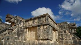 Scultura capa del serpente nella giungla di Yucatan Immagini Stock