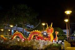 Scultura cinese 2012 del drago di nuovo anno sul ponticello Fotografie Stock