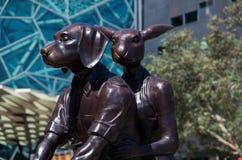 Scultura del cane e del canguro Immagine Stock