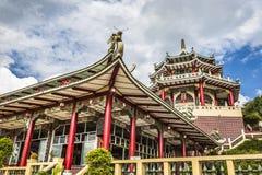 Scultura del drago e della pagoda del tempio del taoista a Cebu, Philip immagine stock
