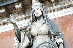 Scultura dell'entrata del cimitero di Roma fotografia stock libera da diritti