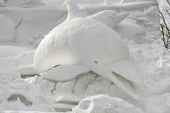 Scultura della neve del delfino Fotografia Stock