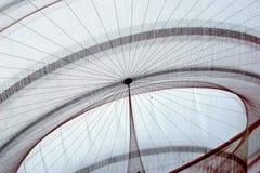 Scultura della rete pubblica del ` s di Janet Echelman in rotonda, Matosinhos fotografie stock libere da diritti