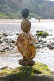 Scultura della spiaggia su una spiaggia sabbiosa Immagini Stock Libere da Diritti