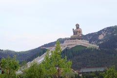 Scultura di Buddha del gigante di Nanshan, porcellana Immagini Stock