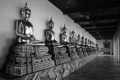Scultura di Buddha nell'arredamento domestico di Thailand fotografie stock
