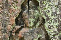 Scultura di Devata, tempio di Banteay Kdei, Cambogia fotografie stock