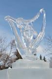 Scultura di ghiaccio del ballerino della donna al ` s Winterlude di Ottawa Fotografie Stock Libere da Diritti