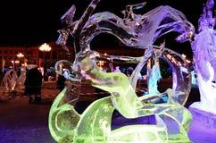 Scultura di ghiaccio di un drago Fotografie Stock