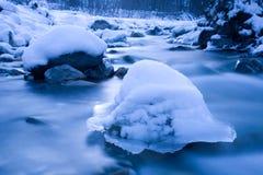 Scultura di ghiaccio naturalmente formata fotografie stock libere da diritti
