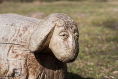 Scultura di legno delle pecore Fotografia Stock Libera da Diritti