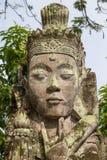 Scultura di pietra tradizionale nel tempio in Ubud, Bali, Indonesia immagine stock libera da diritti