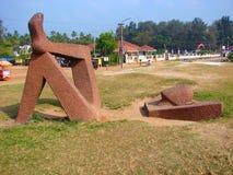 Scultura di rilassamento alla spiaggia di Shankumugham, Thiruvananthapuram, Kerala, India Immagini Stock Libere da Diritti