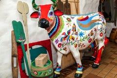Scultura di una mucca immagine stock
