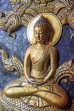 Scultura dorata di signore Buddha di meditazione Fotografia Stock Libera da Diritti