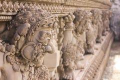 Scultura gigante fuori del tempio Immagini Stock