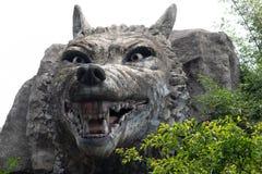Scultura grigia di pietra della lupo-pietra Fotografia Stock Libera da Diritti
