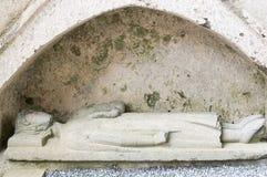 Scultura medievale della pietra tombale Fotografie Stock
