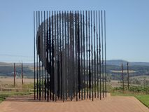 Scultura a Nelson Mandela Capture Site, Sudafrica fotografia stock libera da diritti