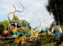 Scultura variopinta del drago asiatico Fotografia Stock