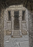 Sculture antiche di Hathor dell'Egiziano in tempio di Dendera Fotografia Stock Libera da Diritti