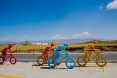 Sculture colorate del ciclista Immagini Stock Libere da Diritti
