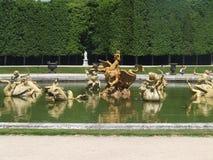Sculture della fontana del giardino di Versailles Immagini Stock Libere da Diritti