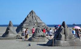 Sculture della sabbia sulla spiaggia in Taiwan fotografia stock libera da diritti