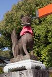 Sculture di Fox nel santuario di Fushimi Inari Taisha immagine stock libera da diritti