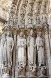 Sculture gotiche dei san nella cattedrale di Chartres fotografia stock libera da diritti