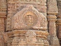 Sculture indù antiche al tempio di Gondeshwar Fotografia Stock