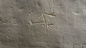 Sculture indigene a scrittura sul parco storico di pietra Fotografia Stock