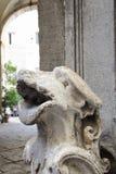 Sculture nel palazzo di Napoli Immagine Stock