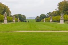 Sculture in storico, giardini del palazzo, Fredensborg, Danimarca fotografia stock libera da diritti