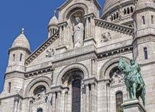 Sculture sulla facciata del Sacre Coeur a Parigi fotografia stock libera da diritti