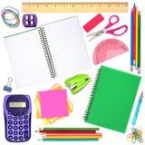 Scuola o articoli per ufficio isolati individualmente su bianco Fotografie Stock