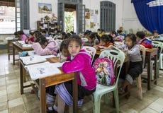 Scuola primaria nel prabang del luang, Laos Immagini Stock