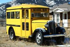 Scuolabus dell'annata Fotografie Stock Libere da Diritti