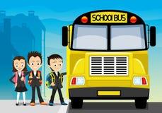 Scuolabus e scolari royalty illustrazione gratis