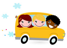 Scuolabus giallo con i bambini Fotografia Stock