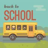Scuolabus giallo sulla strada con quattro bambini illustrazione di stock