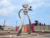 Scupture de déplacement d'acier inoxydable d'homme, Ellum profond, Dallas, le Texas photos stock