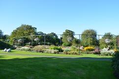 Seção pequena do jardim nos jardins botânicos nacionais em Dublin, Irlanda Foto de Stock