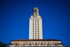 Señal de la torre de reloj de la torre de UT de Austin Texas University Blue Sky Background Foto de archivo libre de regalías