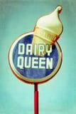 Señal de neón de la reina de la lechería Foto de archivo libre de regalías