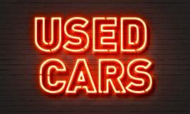 Señal de neón de los coches usados Fotos de archivo